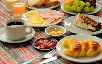 desayuno (esto todos los dias).