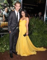 Vanessa Hudgens&Austin Butler