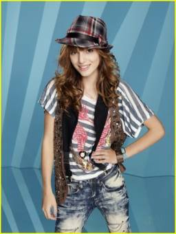 Bella Thorne(CeCe)En Shake It Up