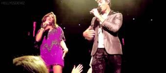Que cantan i actuan en peliculas juntos si