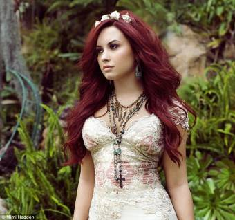 Demi STAY STRONG PRESIOSURA Lovato