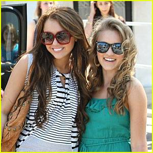 MYLEY CYRUS Y EMILY OSMENT