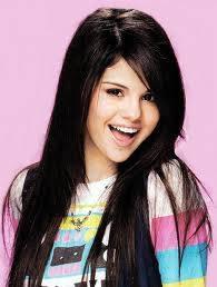 Selena Gomez D;