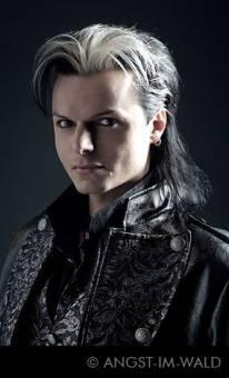 Tilo Wolff ( Lacrimosa)