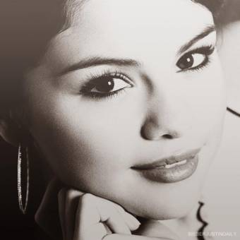 Selena G�mez (Alex Russo)