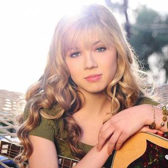 jennectte mccurdy/// sam