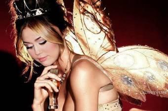 La Mas Glamourosa, Ganadora, MEJOR actriz, cantante Y Famosa Miley Cyrus