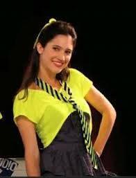 Lodovica es mejor cantando,actuando es mas linda y la mejor amiga