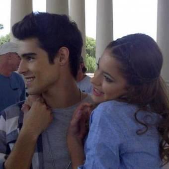 Tomas y Violetta