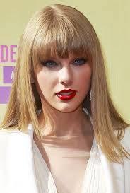 Taylor Swift (Diosa,talentosa,amable,caritativa,buena,solidaria)