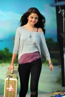 Selena la mas Fea de todo el Universo y la peor actriz