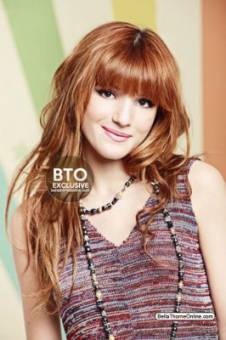 Bella Thorne (Cece Jones)