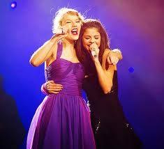 Selena Gomez y Taylor Swift.