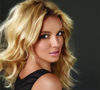 Britney Spears...Cantante, bailarina, actriz, compositora, modelo, diseñadora y empresaria.