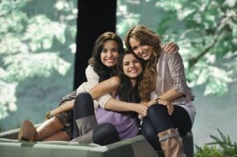Selena,Demi y Miley