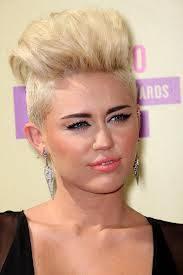 Miley Cyrus :(