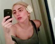 su mas reciente foto en el twitter sin maquillaje