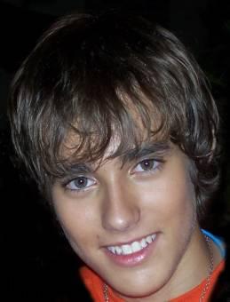 JORGE BLANCO (leon) EDAD REAL= 21 años