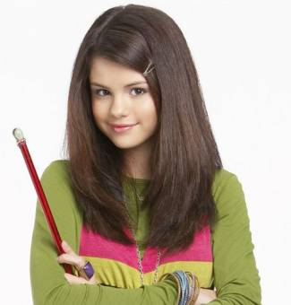 alex russo(hechiceros de waverly place)