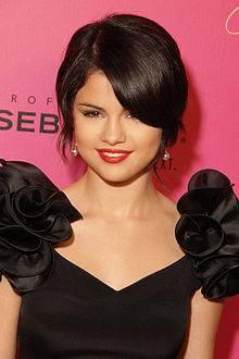 Selena Goemz (SellyLovers)