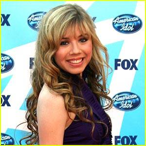 Jennette Mccurdy (Sam)