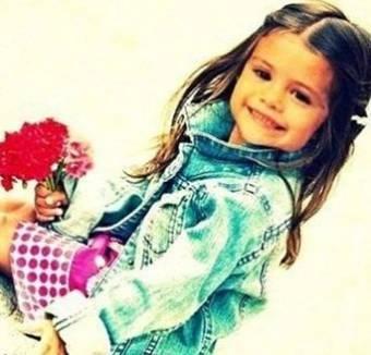 Selena Gomez *-*