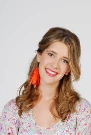 Angie (Clara Alonso)