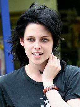Kristen Stewart (la chica que ya tiene su historial engañando a otros)
