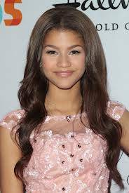 Zendaya es mas hermosa.