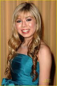 Jennette pelo medio lacio medio chino bonito
