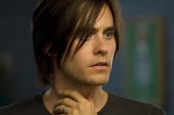 Jared con una sesy expresión *Q*
