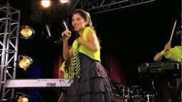 Lodovica es mejor cantando