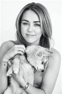 miley cyrus (es regular pero con talento)