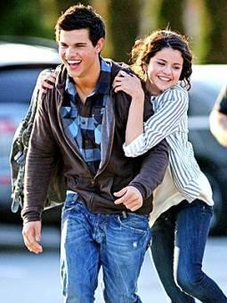 Taylor launter y Selena gomez ♥