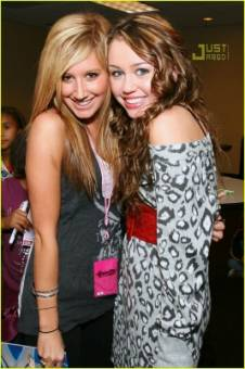 Ashley y Miley ♥