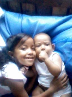 Leonardo Y Su Hermana