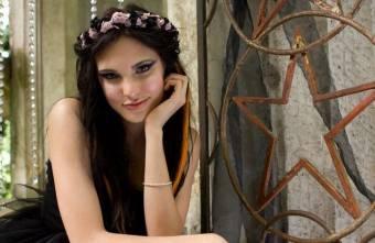 Leonora (no me acuerdo como se apellida,en la vida real se llama Macarena Achaga)