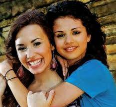 Demi y Selly