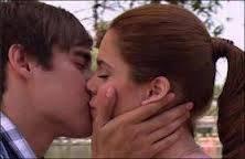 leon se besaron a la fuerza violeta nio sabia que le iba a besar