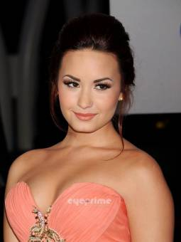 Demi Lovato (Lovatics)