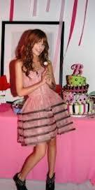 el vestido de bella es feo..!!