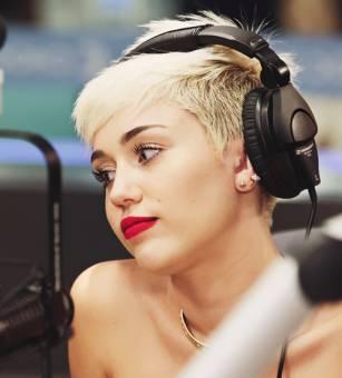 Miley tiene: