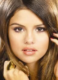 Selena Gomez es mas hermosa en los photoshoot que miley