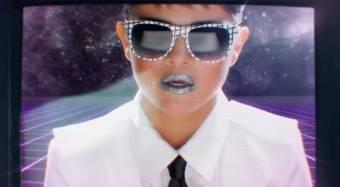 Selena gomez se viste como hombre en su video
