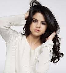 Selena es mas hermosa