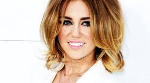 A Miley le queda mejor el cabello corto