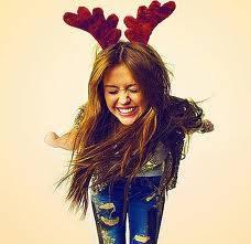 Miley Se Ve Mejor Con Sombrero Navide�o