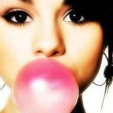 Selena tiene los ojos mas hermosos