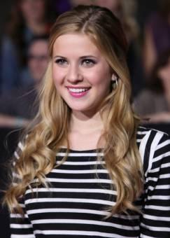 Tinka Hessenheffer--Caroline Sunshine--17 años