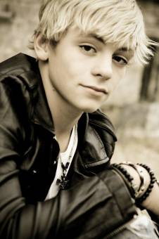 Austin & Ally-Ross Lynch